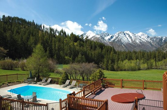 Mountain Home Lodge: Heated Seasonal Pool