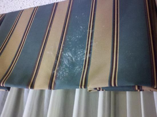 Holiday Inn Athens-University Area: White crusty stains on curtain valance