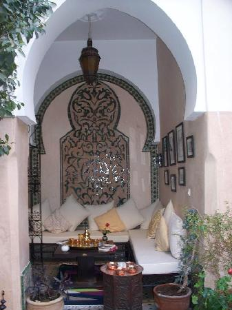 Riad Anabel: Sitting area on ground floor