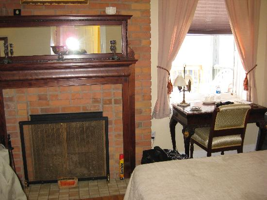 Inn on Somerset: Our room (1)