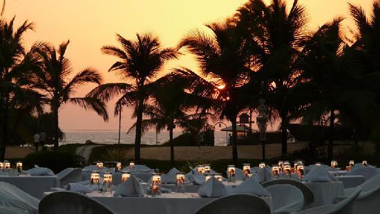 Royal Orchid Beach Resort & Spa, Goa: Sunset