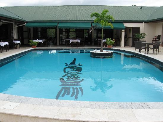 Kone, New Caledonia: Pool and Restaurant