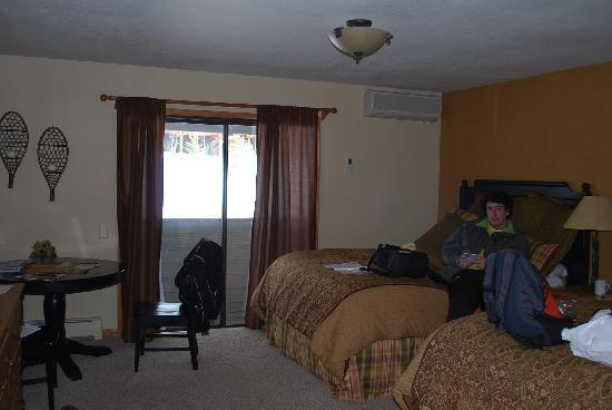 The Inn at Steamboat: The room with our two double beds! (it was cheaper than a King bedroom through a travel website)