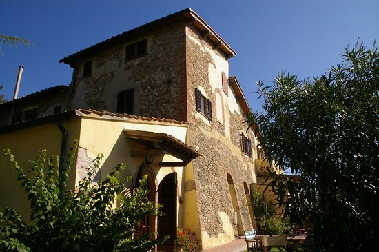 Hotel Antica Torre: Torre Antica Holiday homes for rent in medieval tower in Tuscany