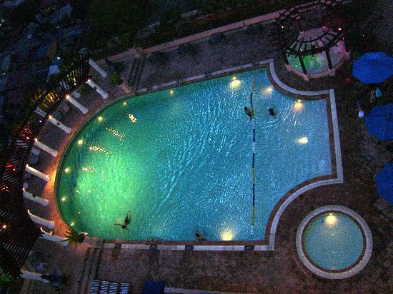 Sunway Putra Hotel: The Legend - Pool