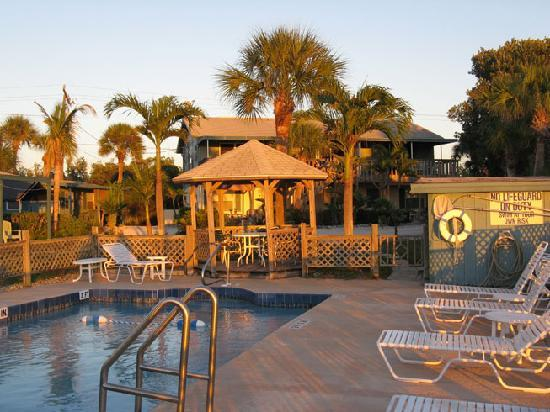 Englewood, FL: The pool area at sunset.