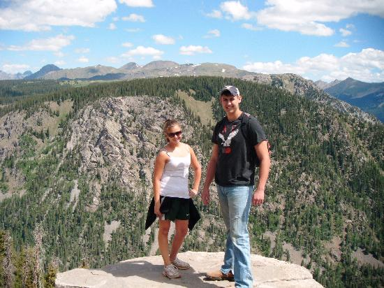 Eagle's Nest Cabins & Homes: We rented 4 wheelers one day and took a trip to Middle Mtn. A must see!