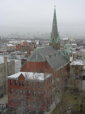 BEST WESTERN Plus Prospect Park Hotel: foggy day view from the 9th floor