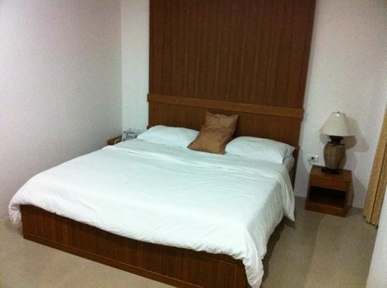 MVC Patong House: this is a very cool hotel in Patong, very clean, good service and in first floor a good restaura