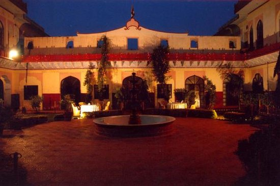 Burja Haveli Hotel