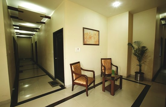 Hotel Sarovar Regency