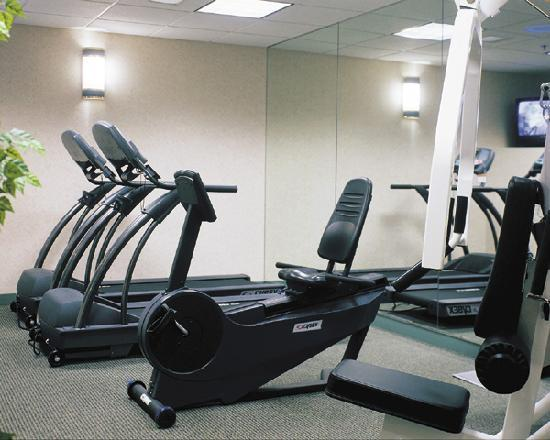 Holiday Inn Express Middletown / Newport: Fitness Area