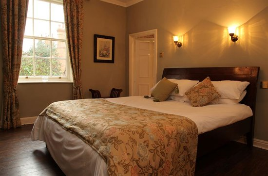 Lamb and Lion Inn Hotel