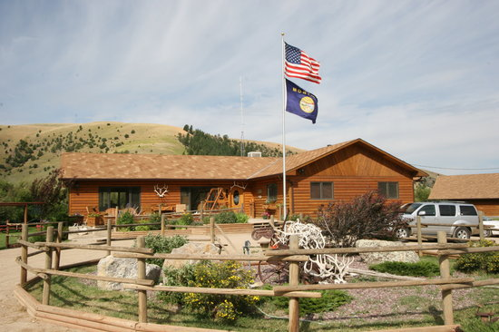 Upper Canyon Outfitters & Guest Ranch
