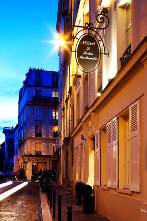 Photo of Le Relais Montmartre Paris