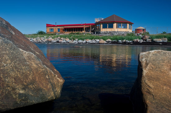 Seal River Heritage Lodge