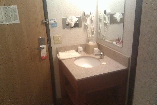Super 8 St Paul / I-94: A picture of the sink bay (next to the door)