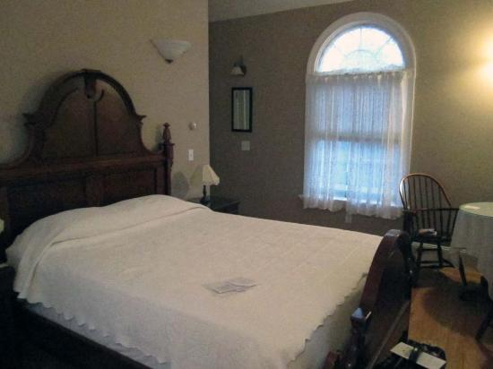 Windsome Bed and Breakfast: Our bedroom