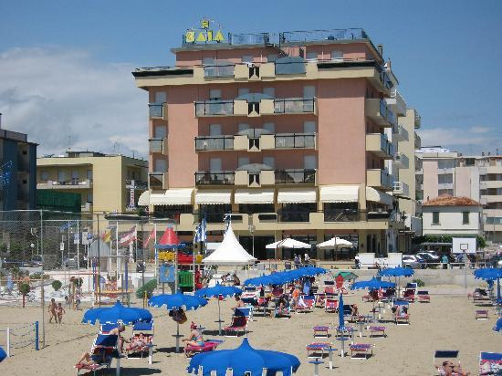 Hotel Baia: Campo da calcio a spiaggia
