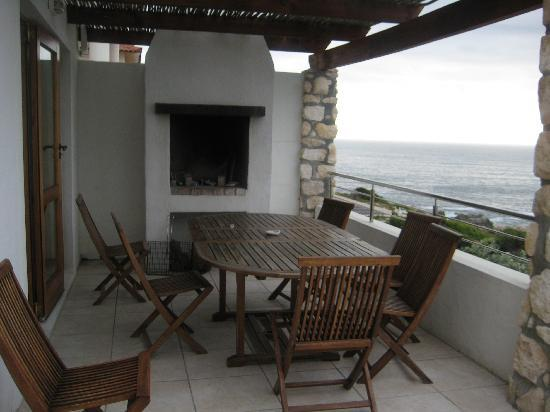 Kleinzee Oceanfront Guesthouse: Build-in Braai