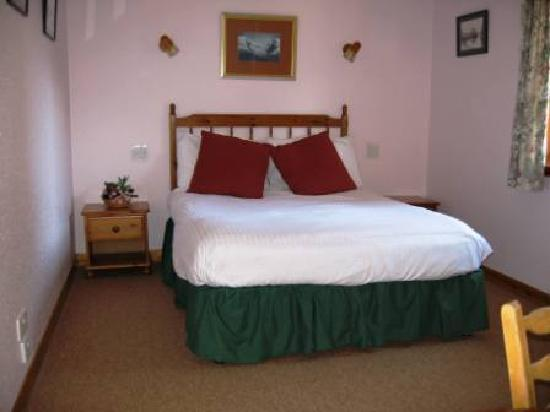 High Range Self-catering Chalets: CRAIGELLACHIE - Double room