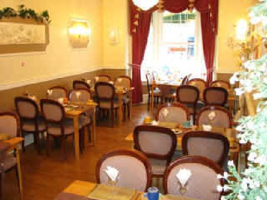 The Shanklin Hotel: DINING AREA