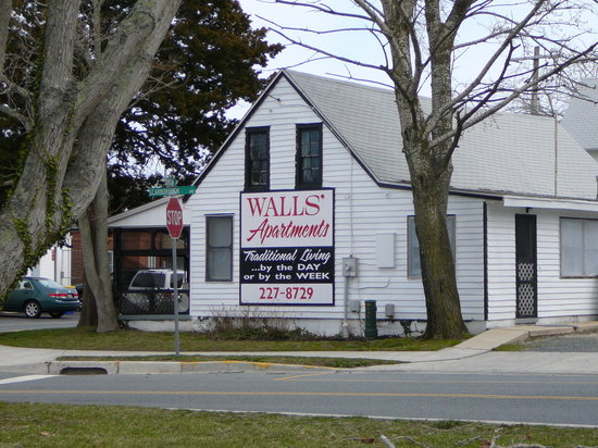 Exterior of Walls Apartments in Rehoboth Beach