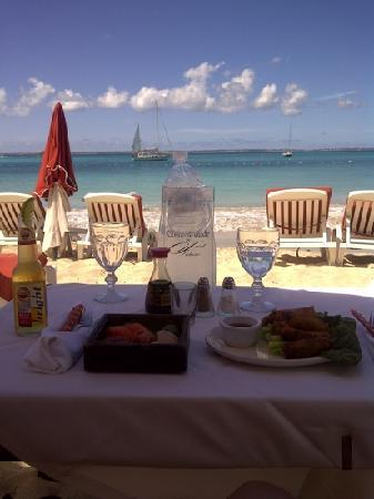 Le Domaine de Lonvilliers: lunch on the beach served by Le Domaine's friendly Beach Club staff