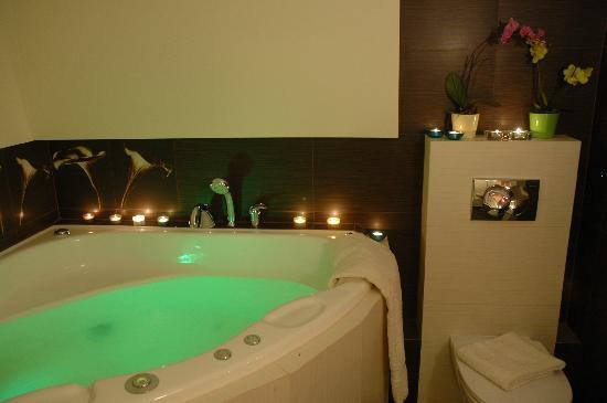 WAWABED Warsaw Bed and Breakfast: Jacuzzi