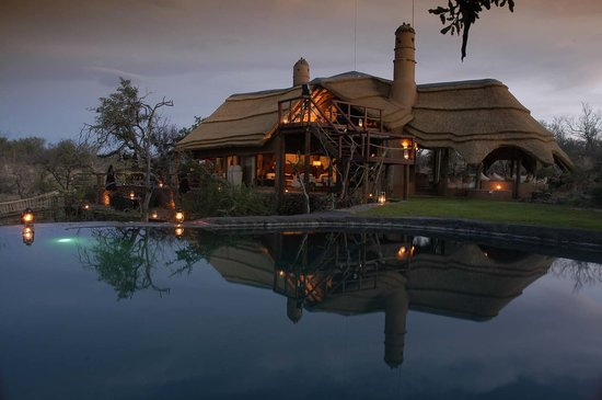 Royal Madikwe Exclusive Safari Residence: Lodge View from Pool