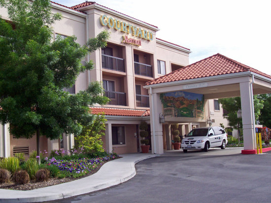 Courtyard Livermore
