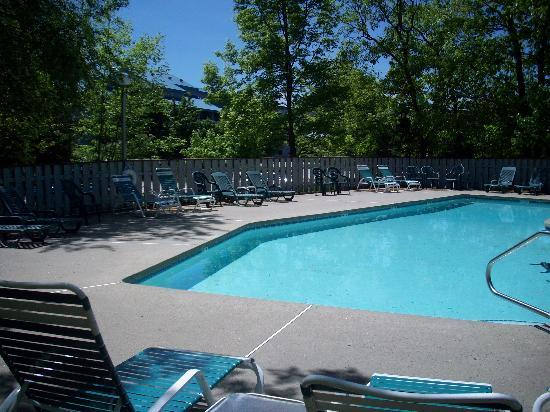 The Lodge at Lincoln Station Resort: Outdoor Pool