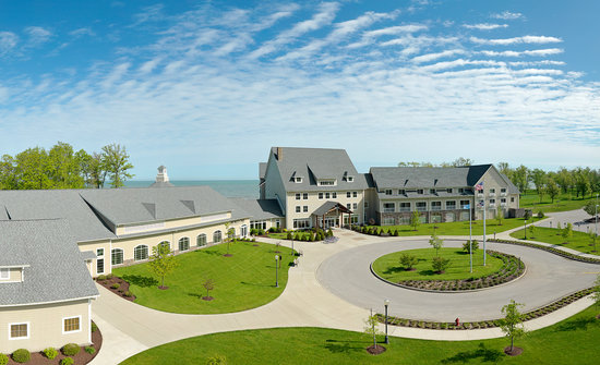 The Lodge at Geneva-on-the-Lake: Spring &amp; Summer getaways for you at The Lodge!