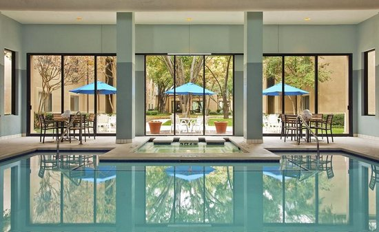 Wyndham Las Colinas: Pool