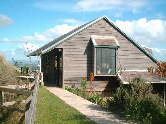 Grafton Cottage and Chalets: Spectacular Sea Views