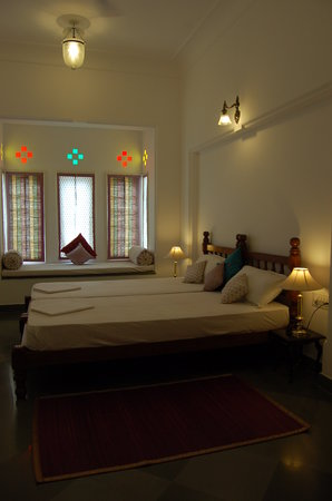 Hotel Aashiya Haveli: room
