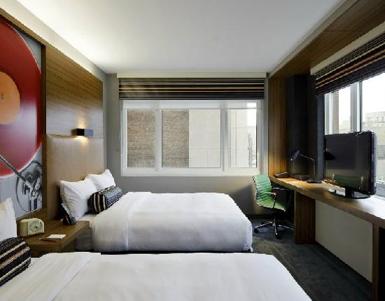 Aloft Harlem : Double Queen Room