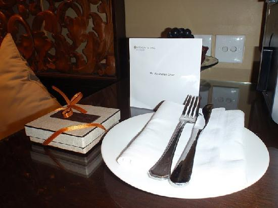 InterContinental Bali Resort: Welcome Card and Chocolate Truffle