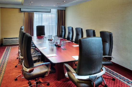 Quality Hotel &amp; Conference Centre: Boardroom