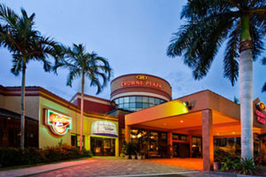 Crowne Plaza Fort Myers at Bell Tower Shops: Crowne Plaza