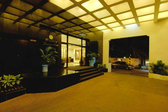 Photo of Ramee Guestline Hotel, Juhu Mumbai (Bombay)