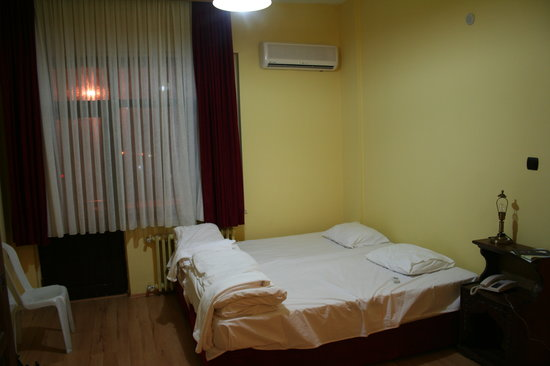 TJ's Hostel