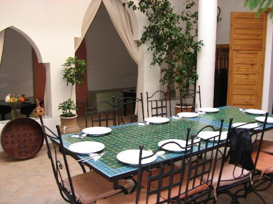 Riad Linda: table for breakfast / evening meal