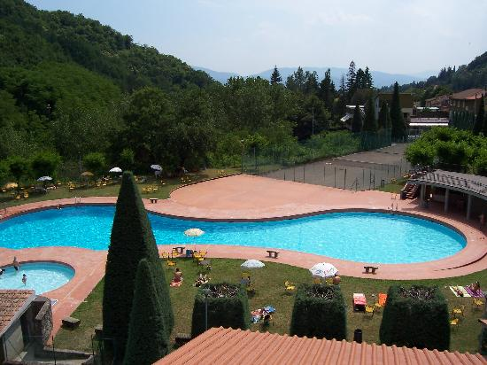 Ronta, Italia: HOTEL MARRANI PISCINA TENNIS BAR