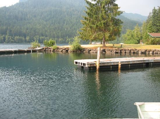 Boat ramps picture of log cabin resort olympic national for Log cabin resort lago crescent wa