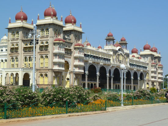 Mysore, India: Facade of palace