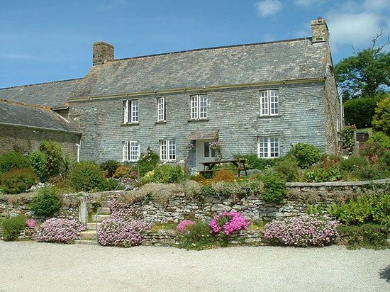 Degembris Farmhouse