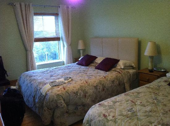 Pinecrest BnB: Room
