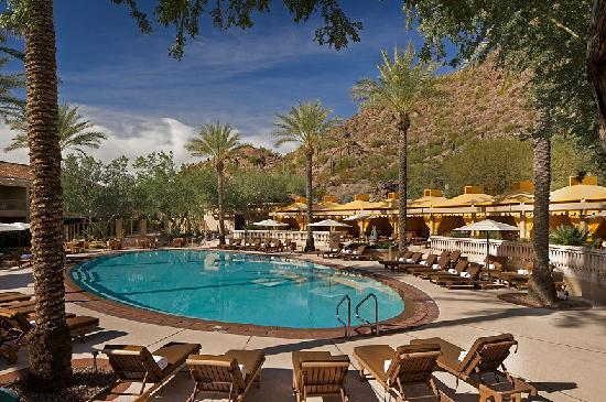 The Canyon Suites at The Phoenician: The Canyon Suites Pool & Cabanas