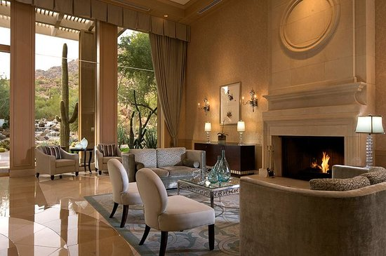The Canyon Suites at The Phoenician: Teh Canyon Suites Lobby
